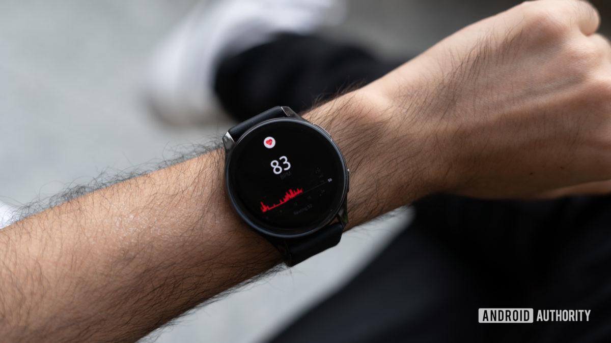 OnePlus Watch analisa o monitoramento da frequência cardíaca