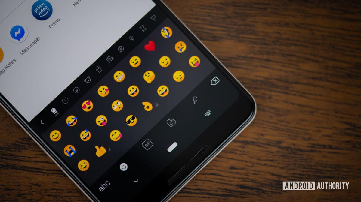 Emojis Swiftkey mostrados no Google Pixel 3 XL