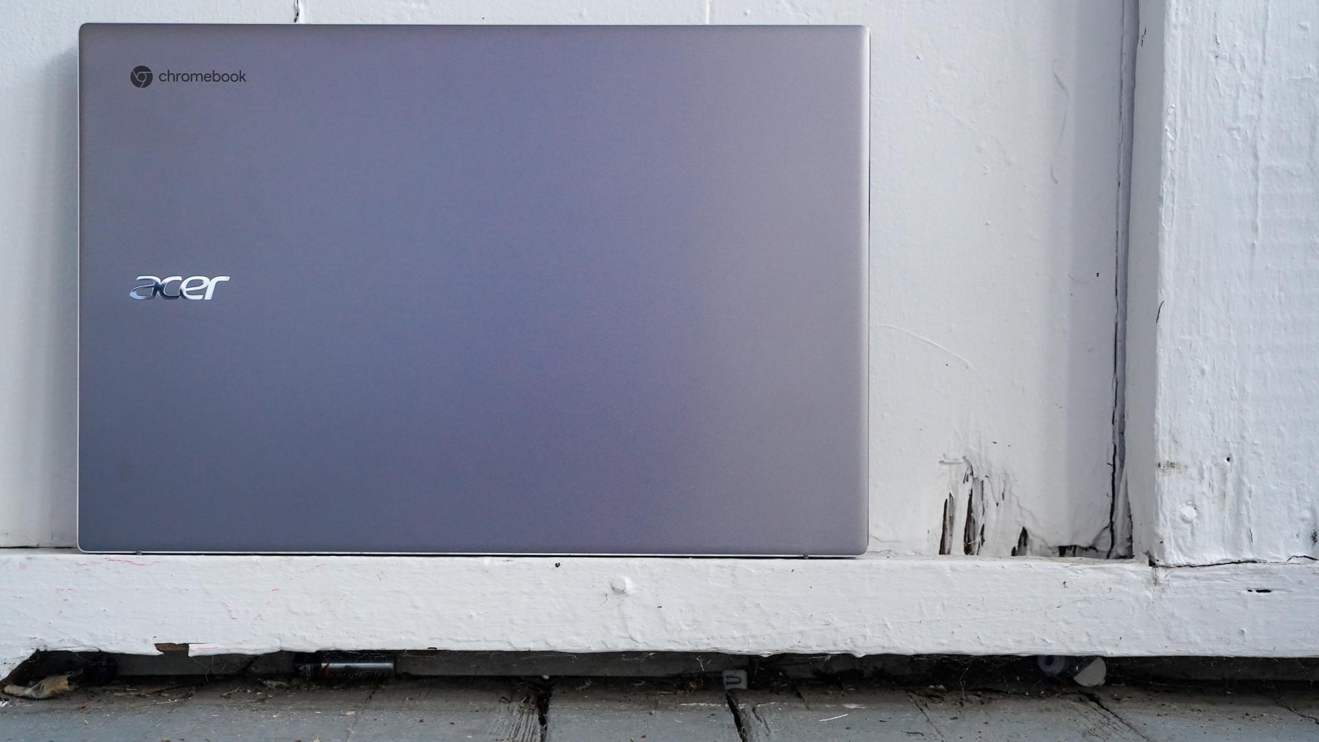 Tampa do Acer Chromebook 515 fechada