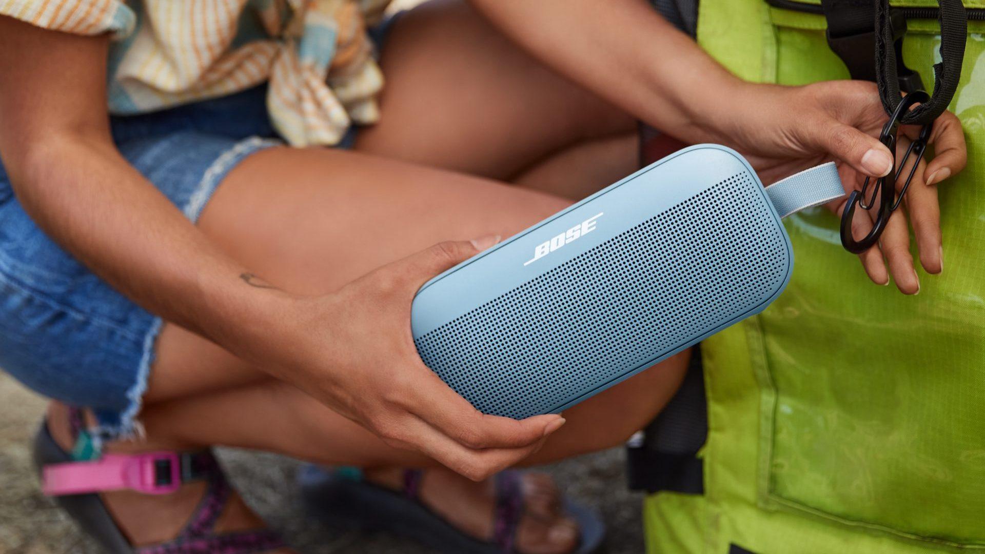 Alto-falante bluetooth de mochila azul Bose SoundLink Flex